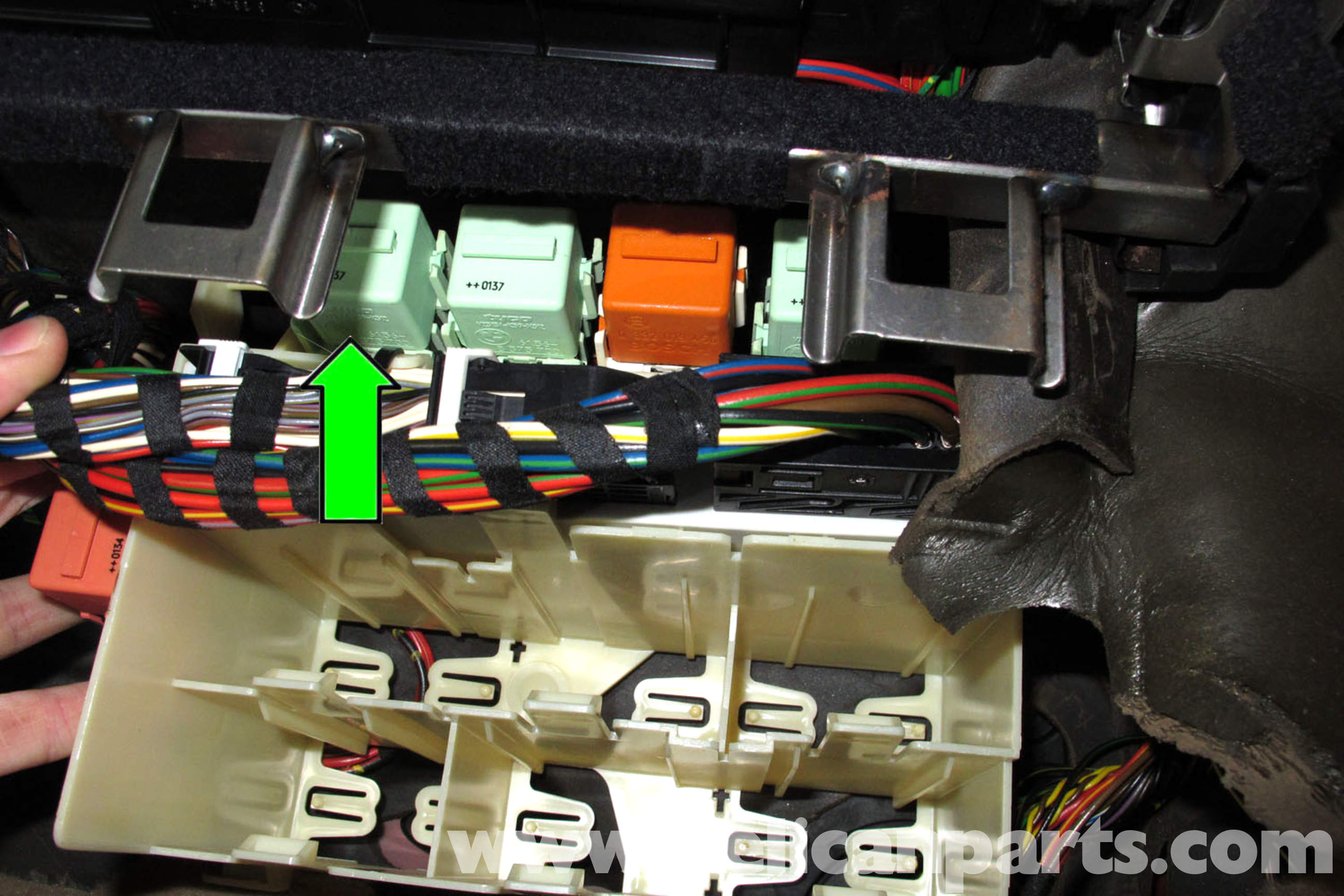 bmw 318 e46 fuses and relay diagram  | 992 x 1311